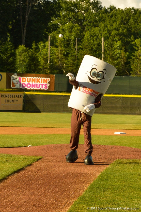 Cuppy winds up on the mound