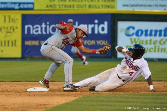 ..D'Andre Toney steals second.