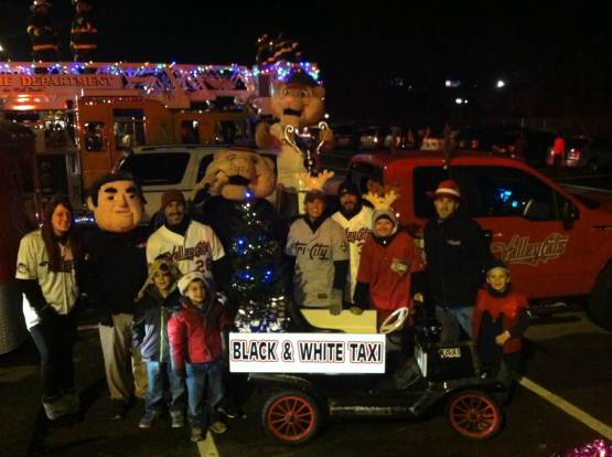 Gazette Holiday Parade_Group Photo
