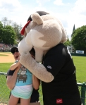 SOUTHPAW EATING LITTLE GIRLS HEAD