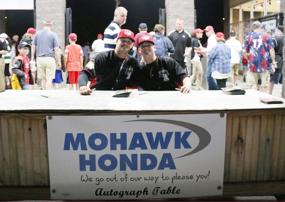 ADCOCK ROGERS MOHAWK AUTO TABLE