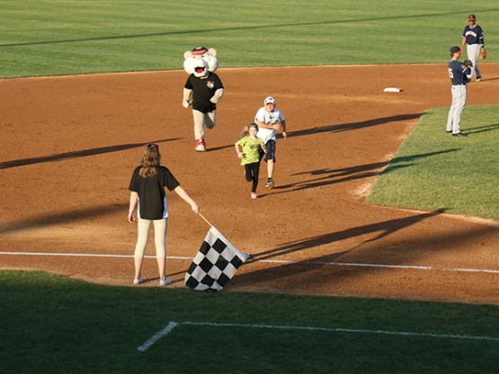 Emily Gates taking the lead over Joseph Goyette and SouthPaw during the CDPHP Birthday Race!