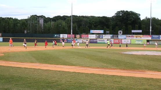 7 24 16 KIDS RUN THE BASES